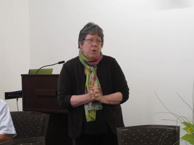 国際交流センタープログラム・副学長,Beth Greenwood教授